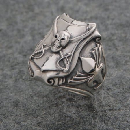 Rings: Pirate Skull and Crossed Cutlass Shield - Sterling Silver by Maxine Miller ©celticjackalope.com