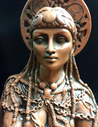 Celtic Crone Goddess Cerridwen Terracotta Resin Statue by Maxine Miller ©Maxine Miller - Zoom