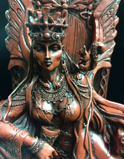 Celtic War an Love Goddess Maeve (Medb) Red and Black Resin Statue by Maxine Miller ©Maxine Miller - Close up
